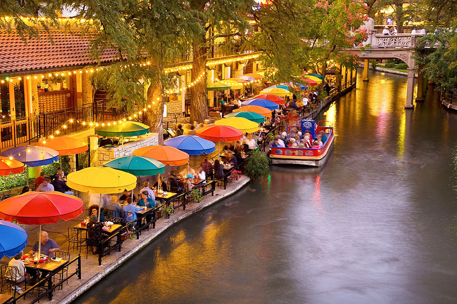 Like The Chicago Riverwalk San Antonio River Walk Above Runs One Story Beneath City Streets And Is Lined With Bars Restaurants